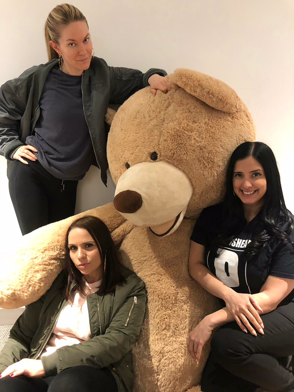 ON THIS SUPER-EPISODE OF IE, - we welcome Kathy Iandoli, hip-hop journalist! Kathy dishes on the lack of documentation of women in hip-hop, working with icons like Prodigy (RIP), and sharing dinner with Lil' Kim at TGI Friday's. We also discuss the NXIVM sex cult, the strength of Kelis, the Bill Cosby verdict, and the fuckery of Kanye West. Plus, Leah goes on a Dick-Quest, Laura shares her redneck roadside bar horror story, and we read your listener letters- Enjoy!