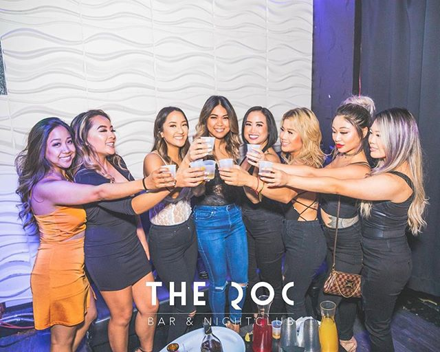 Cheers to the weekend 🥂🍾 see you all tonight!