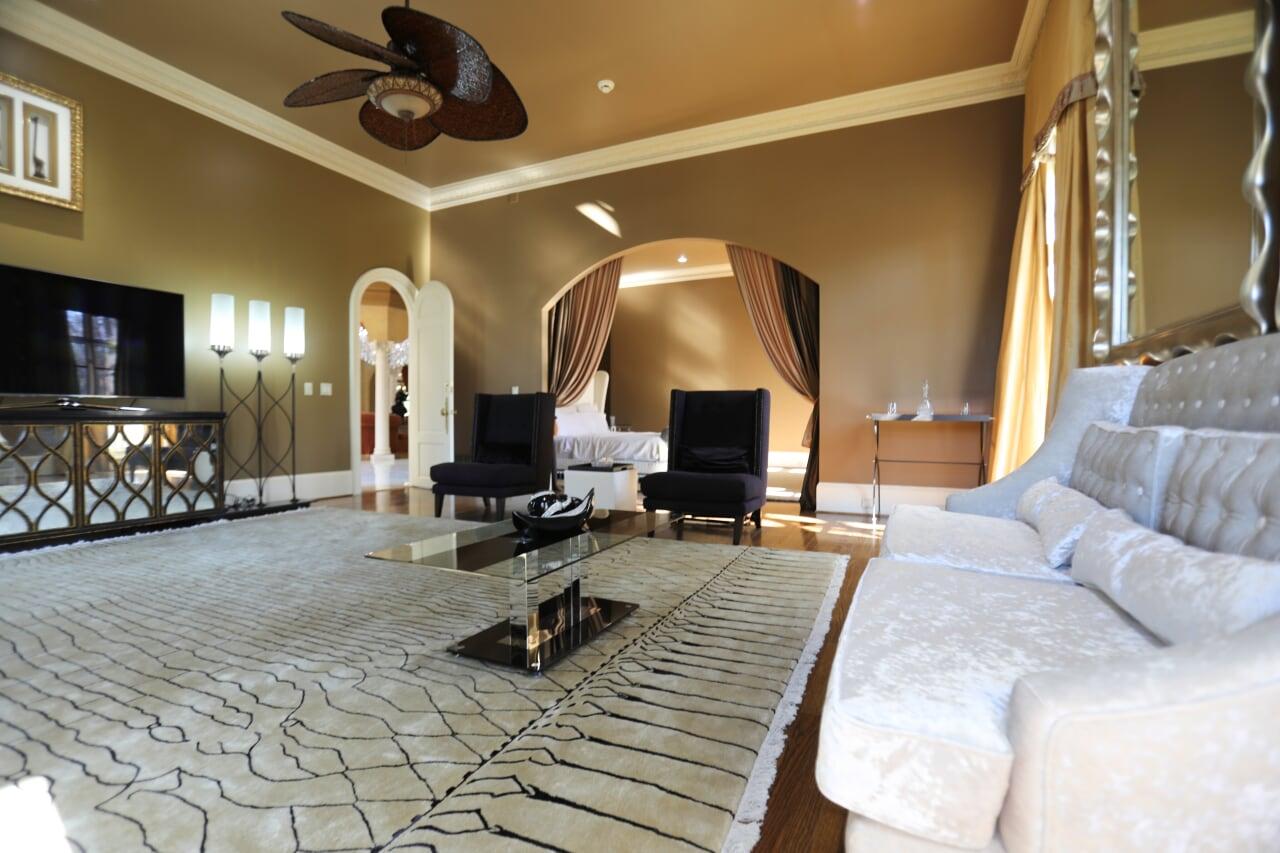 Sitting Area Bedroom 1