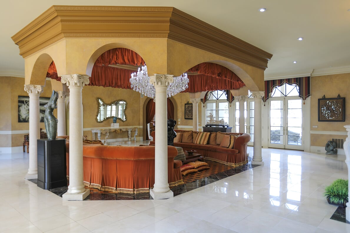 Lounge in the Foyer