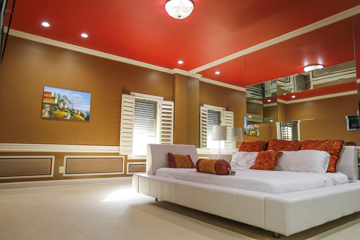 Bedroom 5 alt view