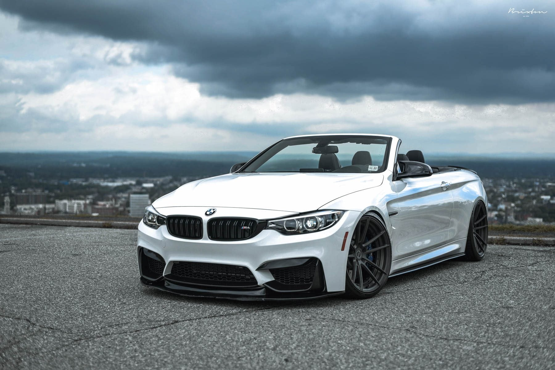 BMW M4 Convertible - Color | White