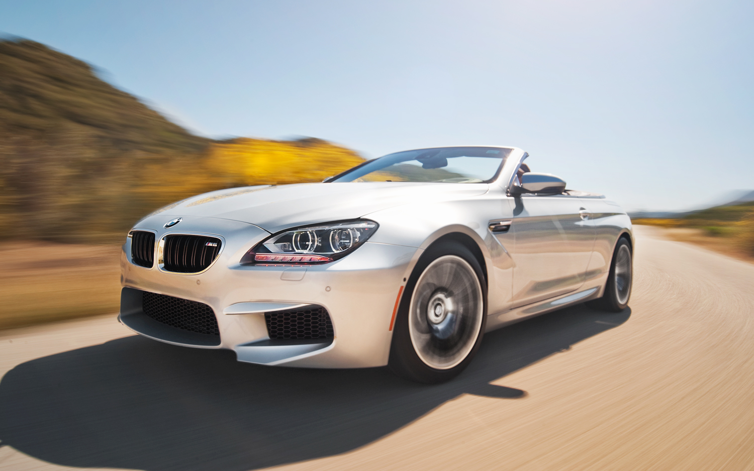 BMW M6 Convertible - Color | White