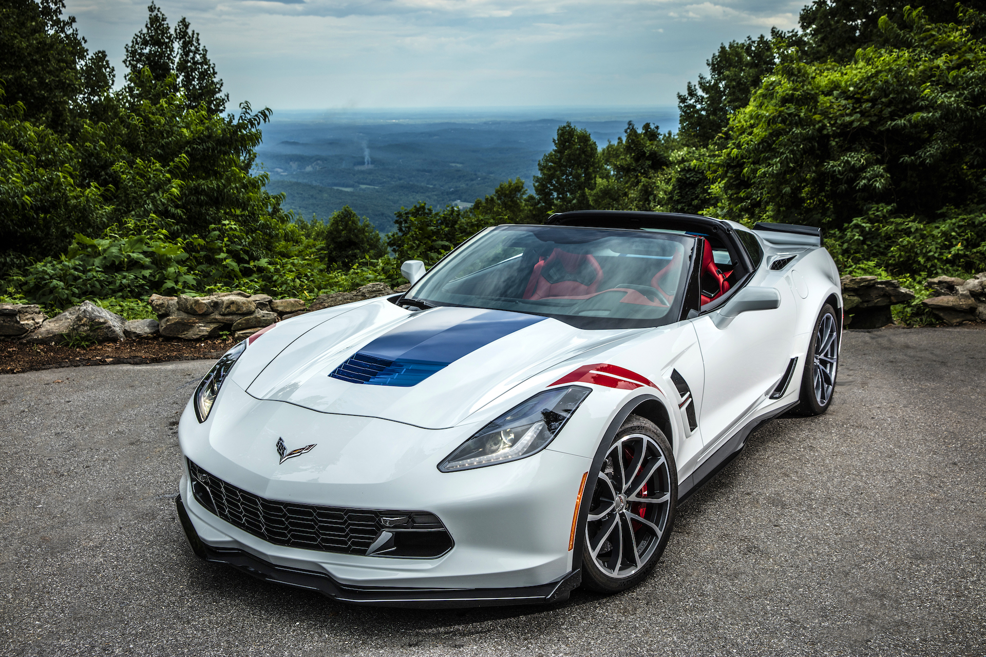 Corvette Stingray Convertible - Color | White