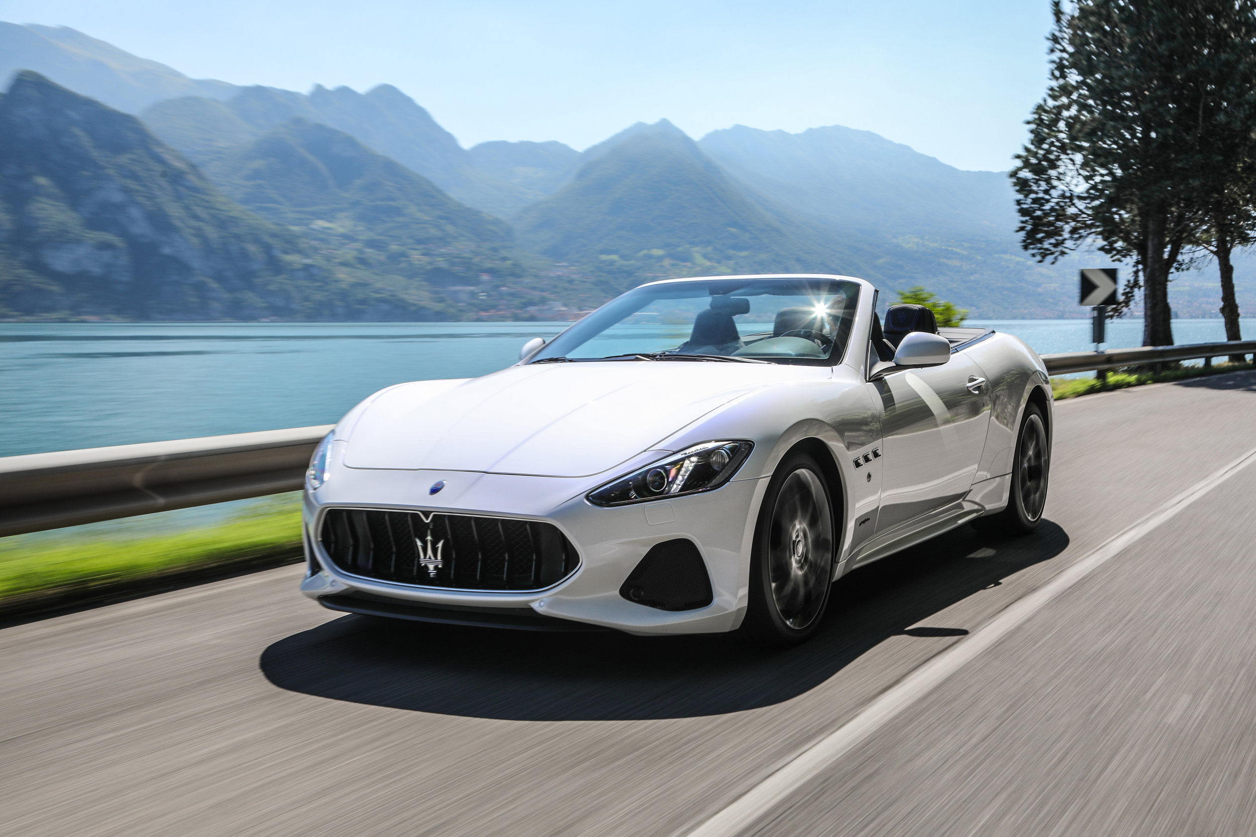 Maserati GranTurismo MC Convertible - Color | White