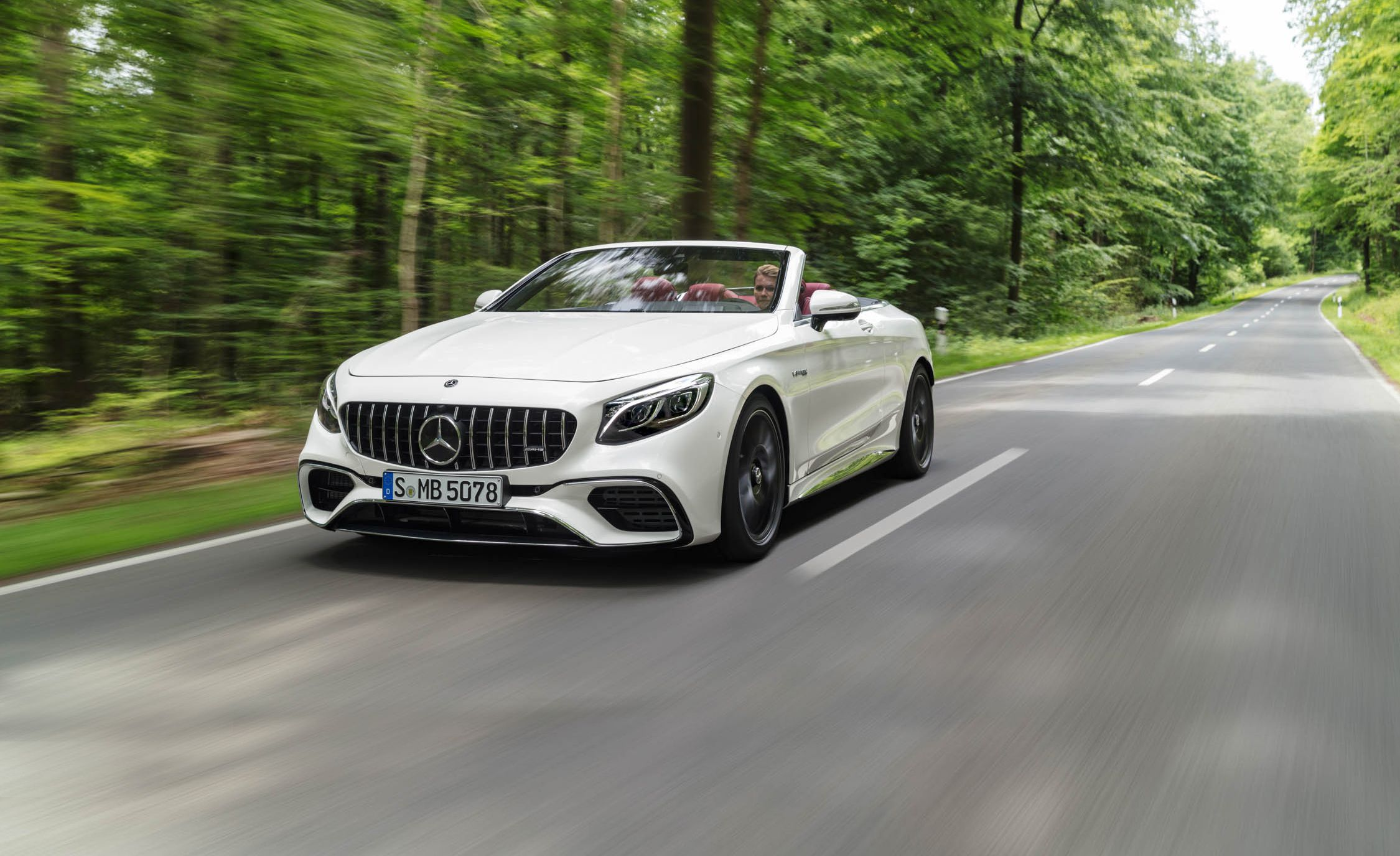 Mercedes-Benz S550 Convertible - Color | White