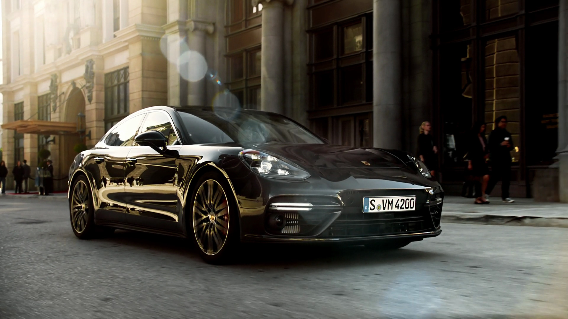 Porsche Panamera 4S - Color | Black