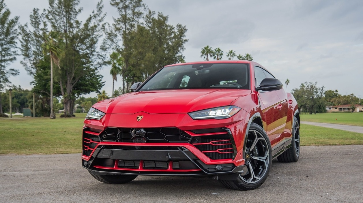 Lamborghini Urus - Color | Red