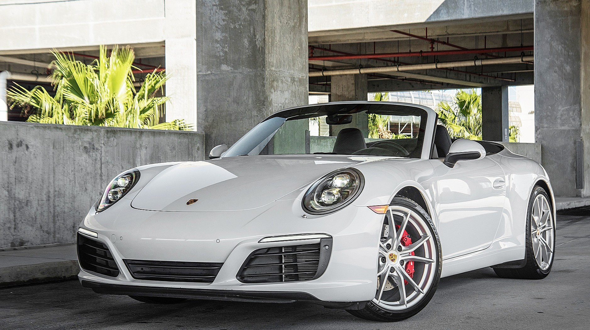 Porsche Carrera Convertible 4S - Color | White