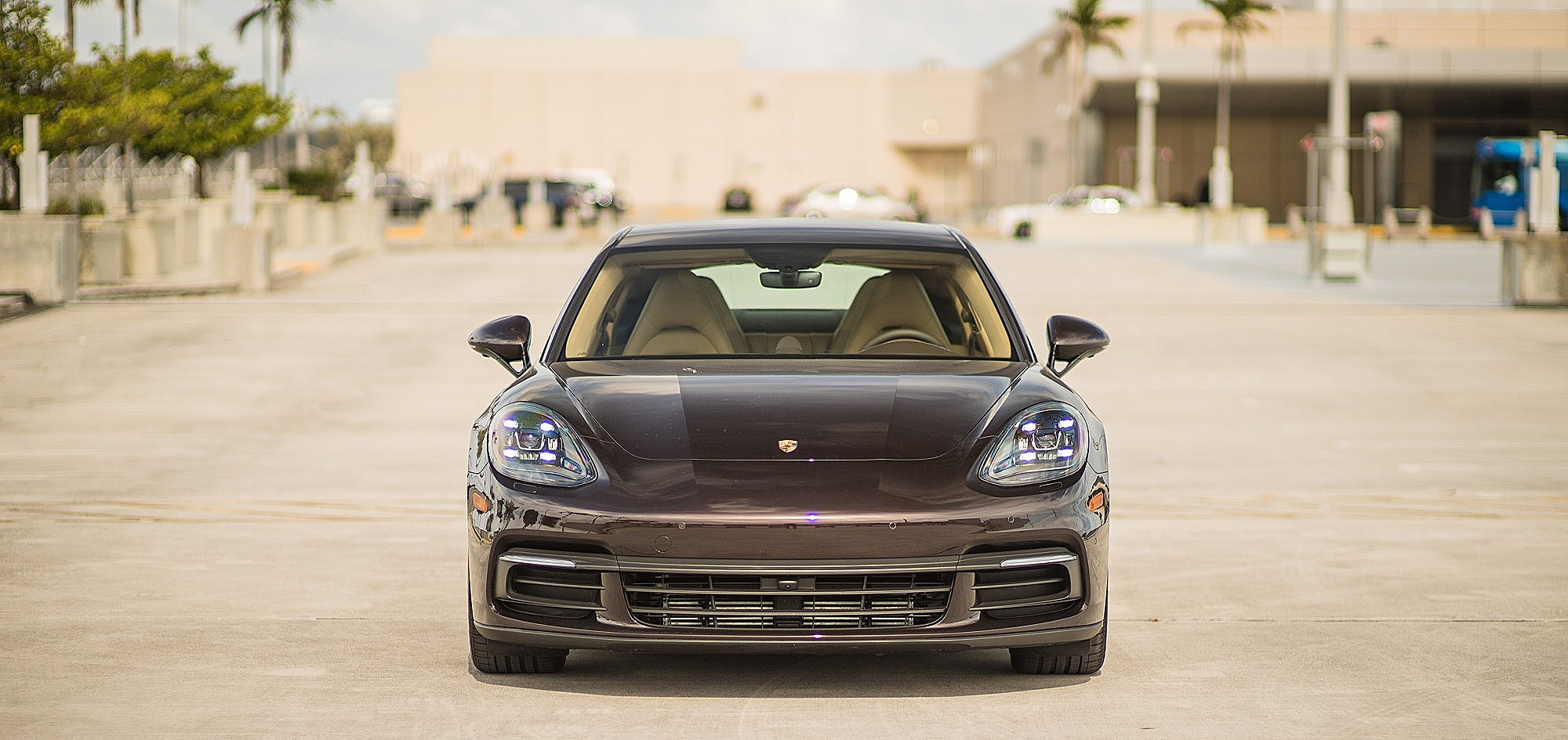 Porsche Panamera 4S - Color | Brown