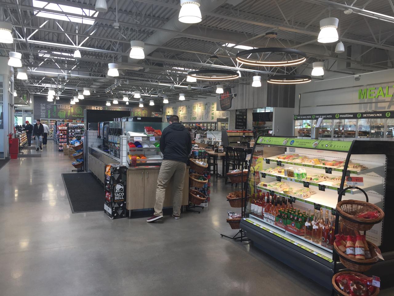 Hy-Vee's Fast & Fresh in Davenport, IA