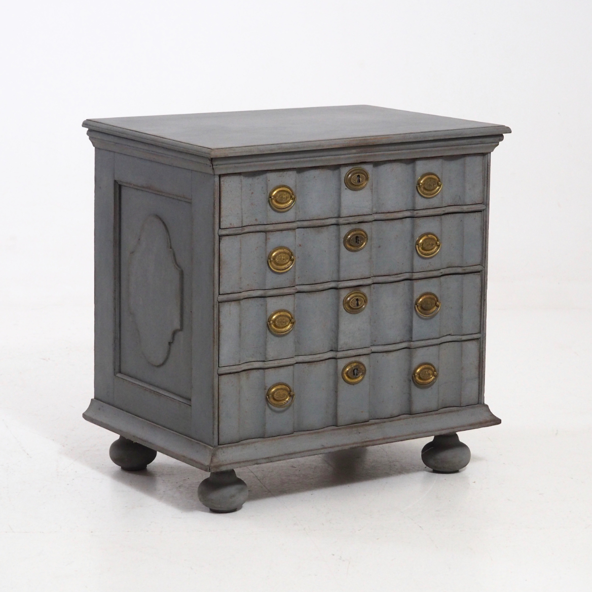 Rare Baroque chest, 18th C. - € 1.100