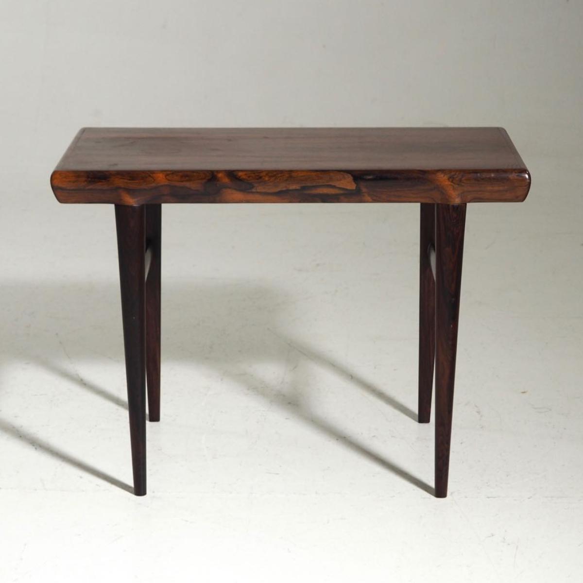 Modern Table - € 400