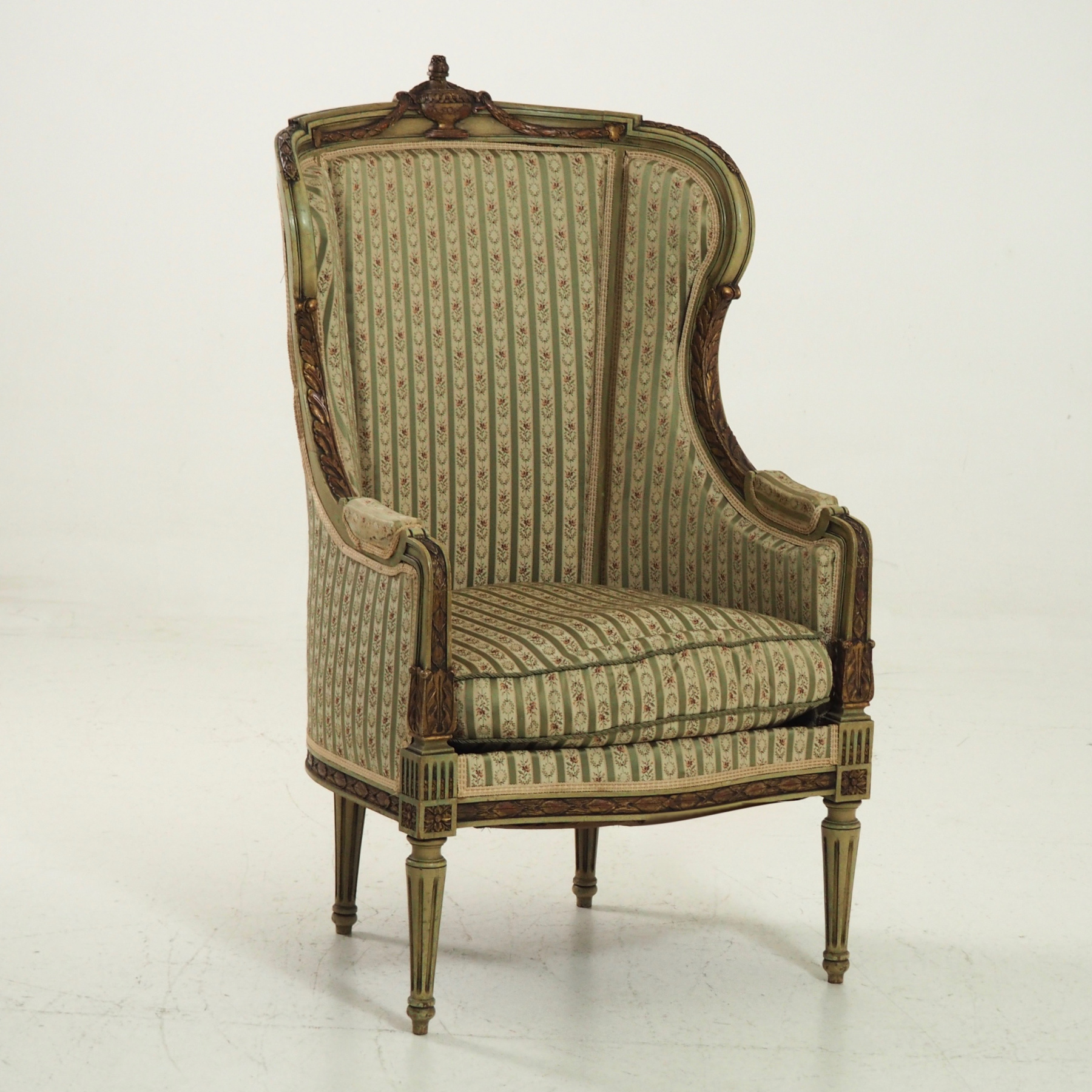 Fine bergère, in old paint, 19th C. - € 1.500