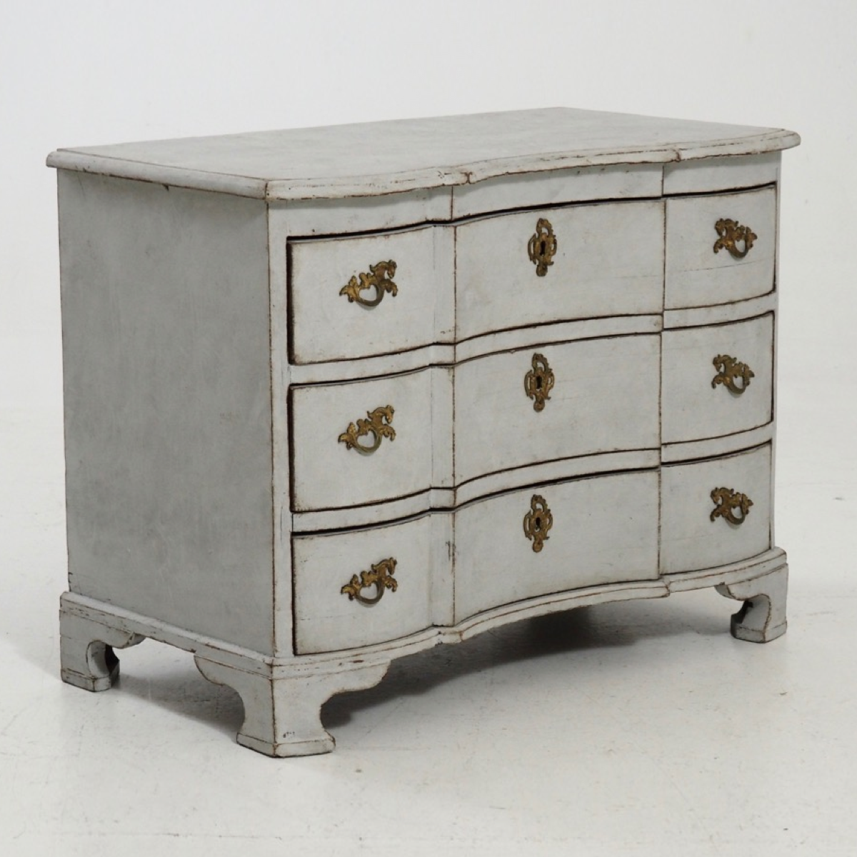Swedish baroque chest, 1750. - € 2.000