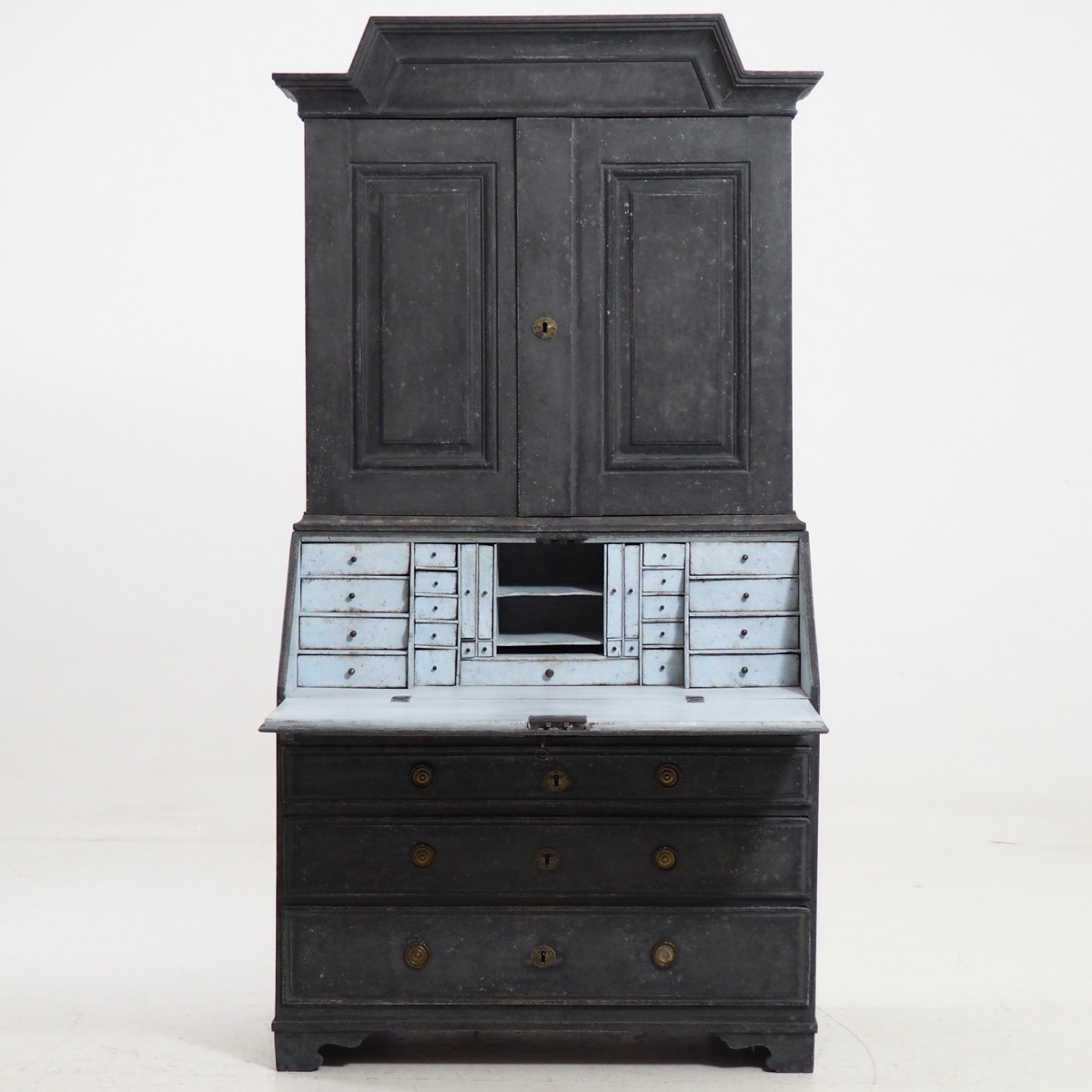 Swedish two-part bureau, 1770. - € 3.300