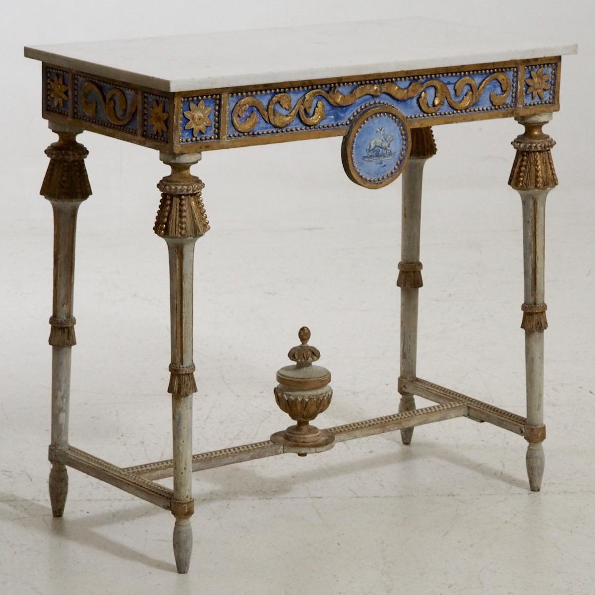 Marmor table.jpg