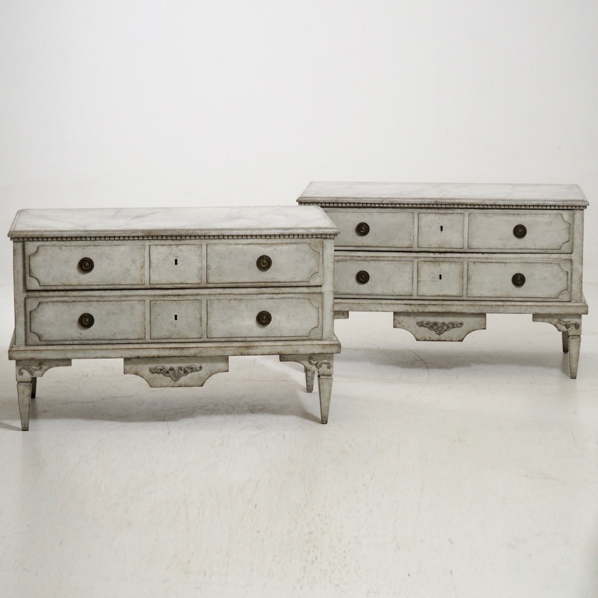 Gustavian chests, circa 1810. - € 3.300