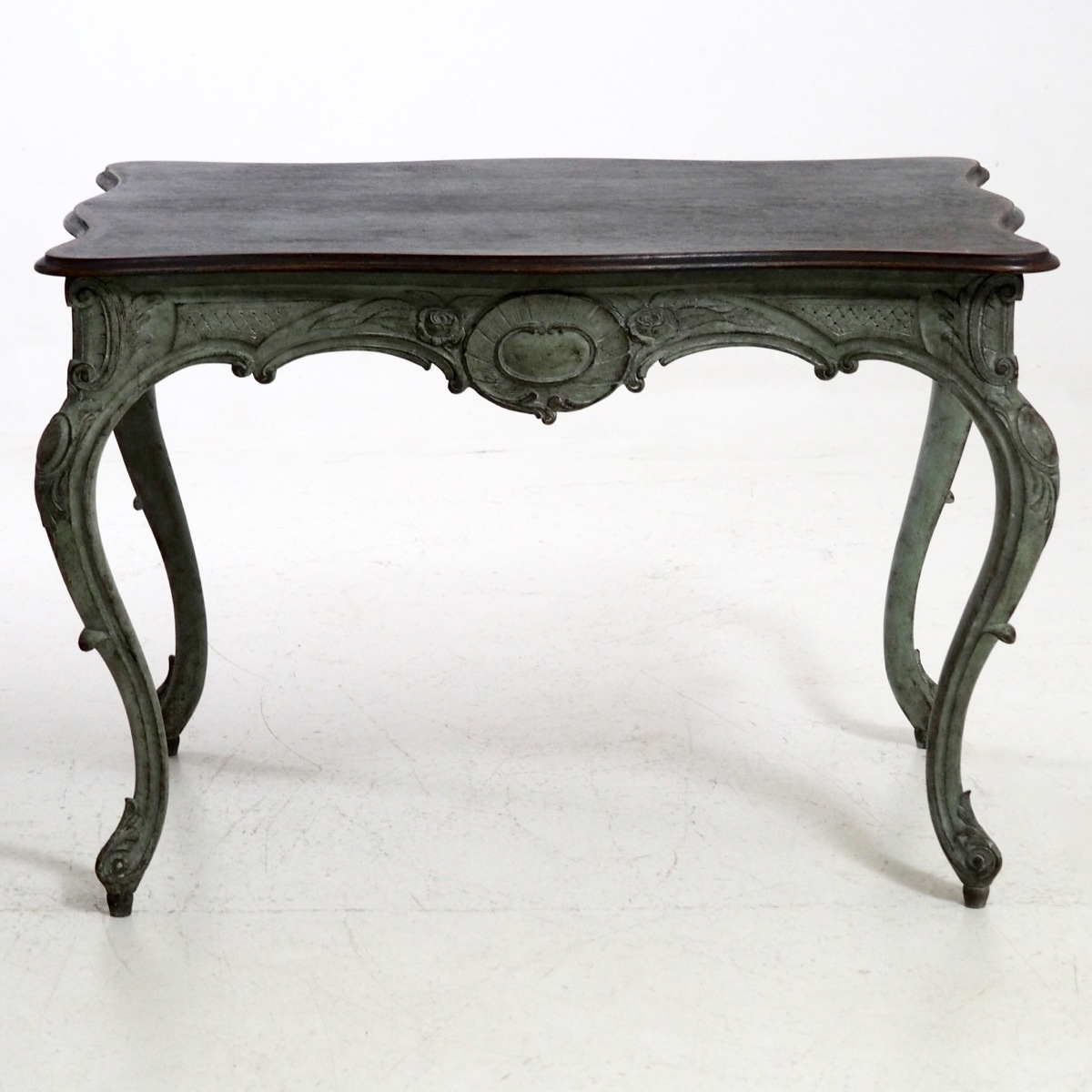 Swedish table, circa 1830. - € 1.600