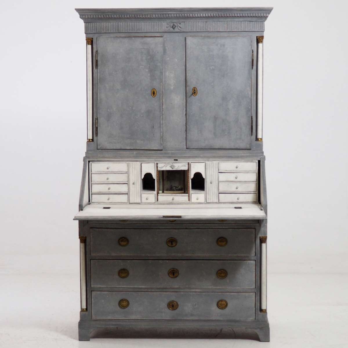 Gustavian Bureau, circa 1810. - € 3.300