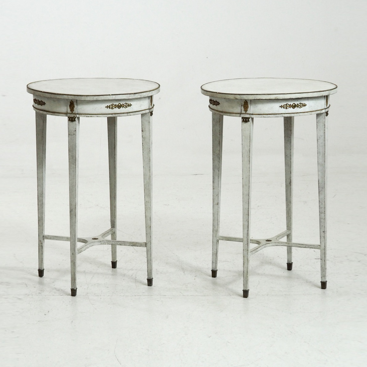 Gustavian style side tables, 19th C. - € 1.700