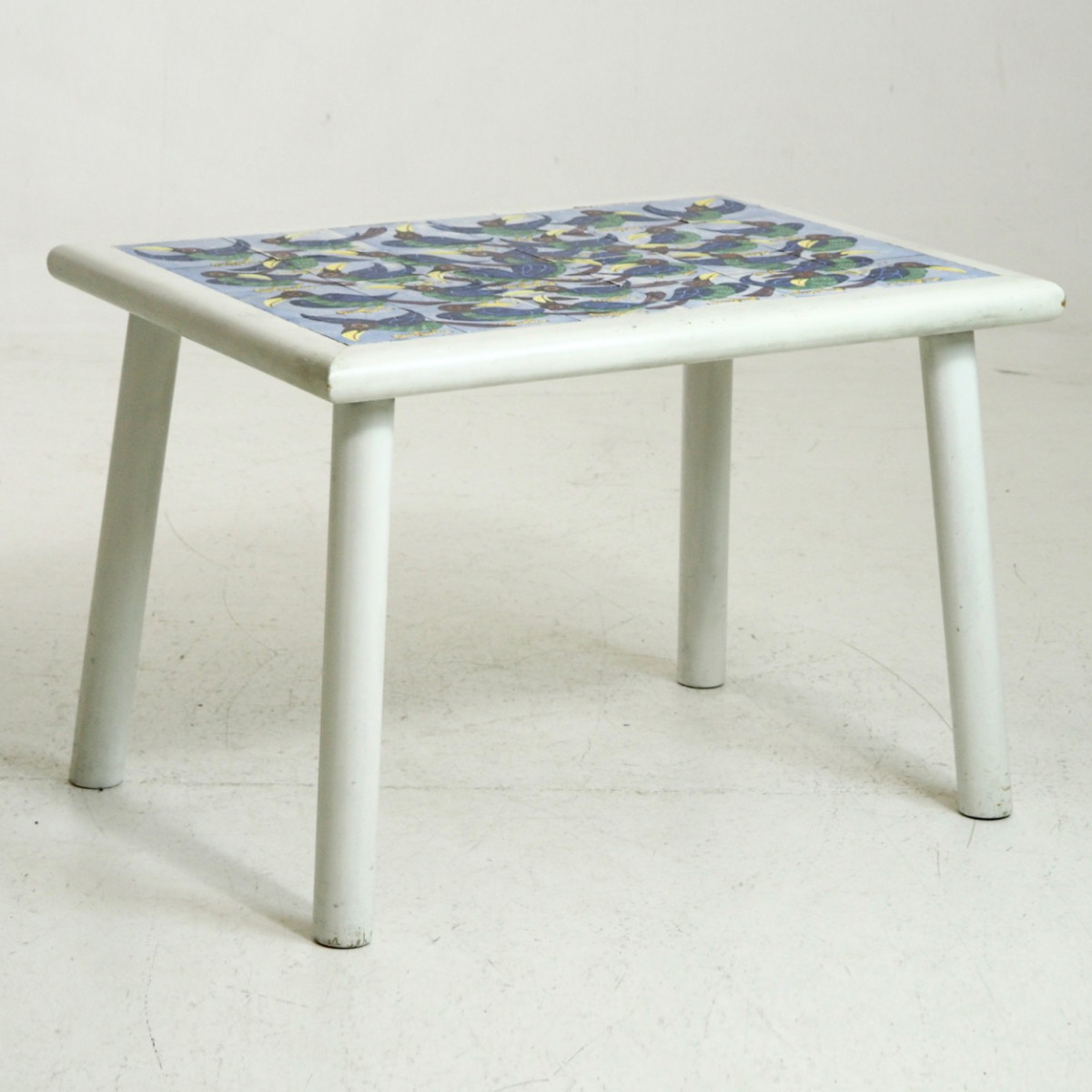 Danish tile-top table, signed at '57. - € 3.500