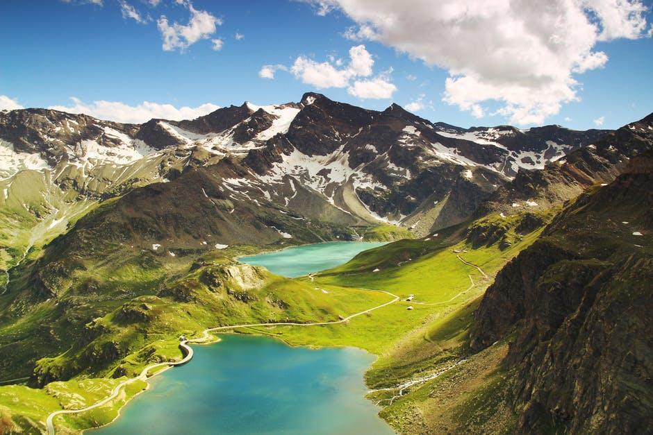 italian-landscape-mountains-nature.jpg