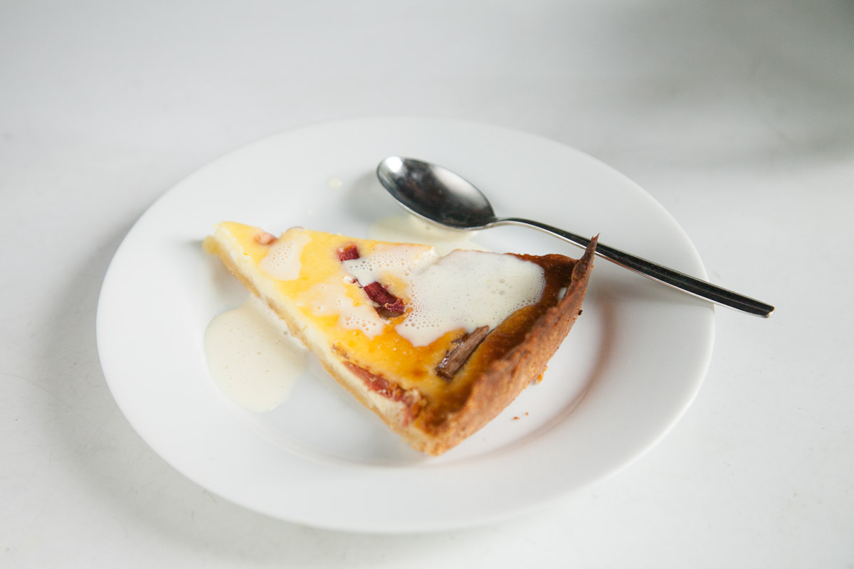 raparperipiirakka ruokablogi kesäruokaa