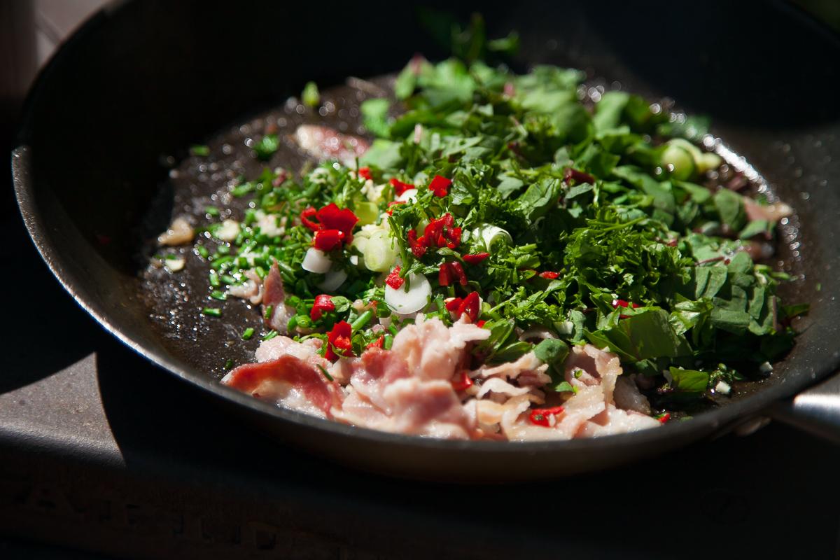 pekoni-pinaattipasta kesäruokaa ruokablogi