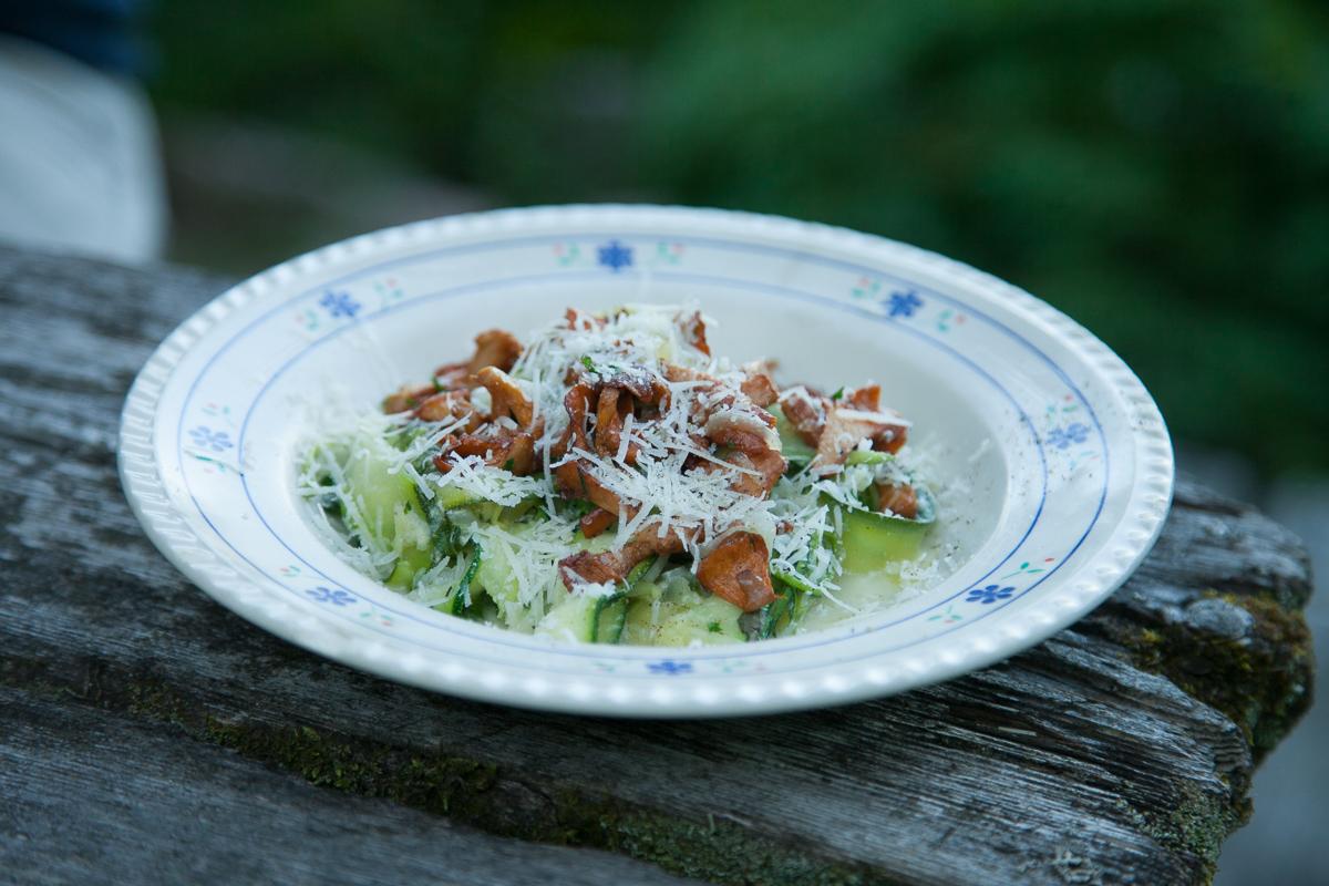 kesäkurpitsatagliatelle kesäruokaa ruokablogi