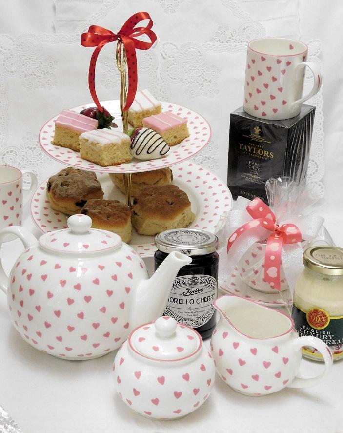DSCN1761-RR afternoon tea Nina Campbell china Goldenberry gourmet.jpg