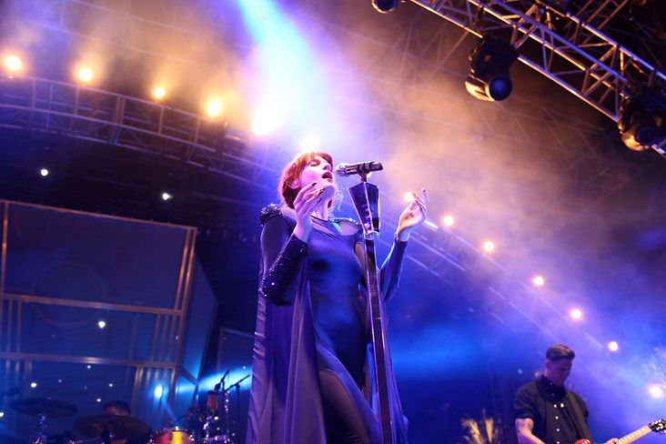 florence-and-the-machine-.jpg