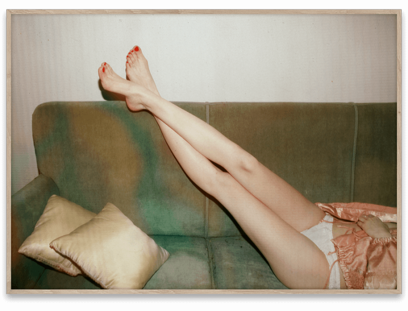 05112_Julie_Pike_Resting_Feet_50x70-802x612.png