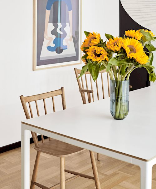 41 Chair / T12 Table / Colour Vase