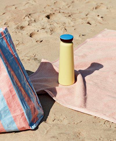Sowden Bottle light yellow / Candy Stripe Shopper / Frotté Bath Towel