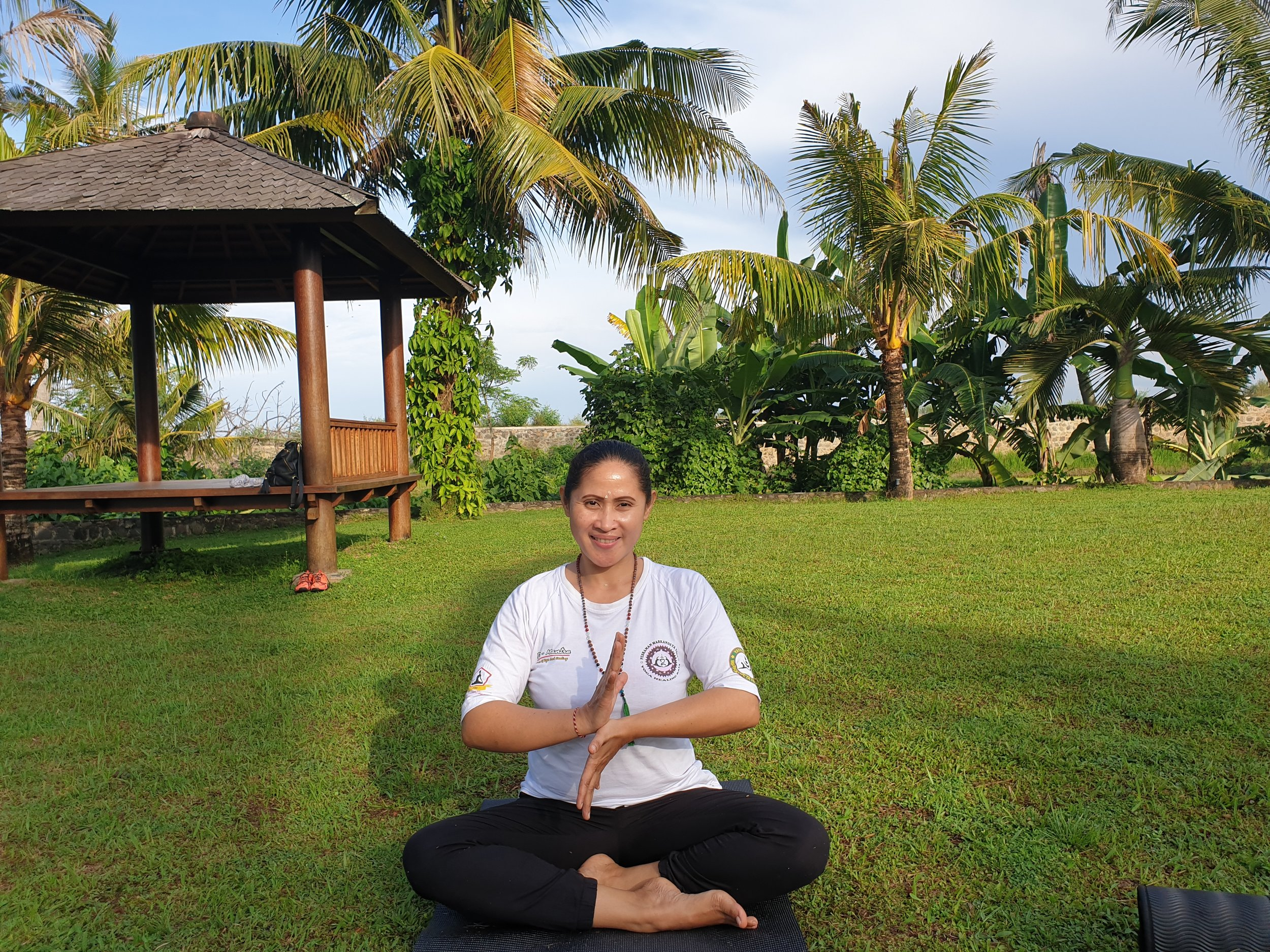 The experienced yoga teacher Ayu Srie gives private Yoga lessons of 1 or 1.5 hour at villa Nio. You can indicate which form of Yoga you wish to practice. Experience Yoga at sunrise or sunset in the private garden of villa Nio