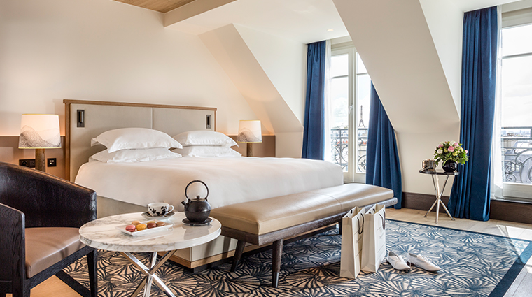 hyatt-paris-madeleine-eiffel-tower-suite-wide.jpg