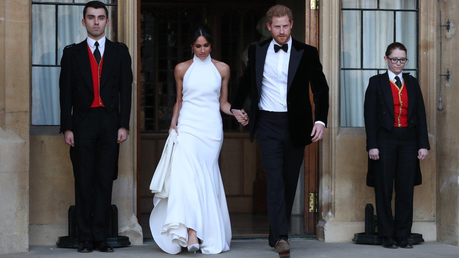 Royal-Wedding-Slideshow-slide-SZ42-videoSixteenByNineJumbo1600.jpg