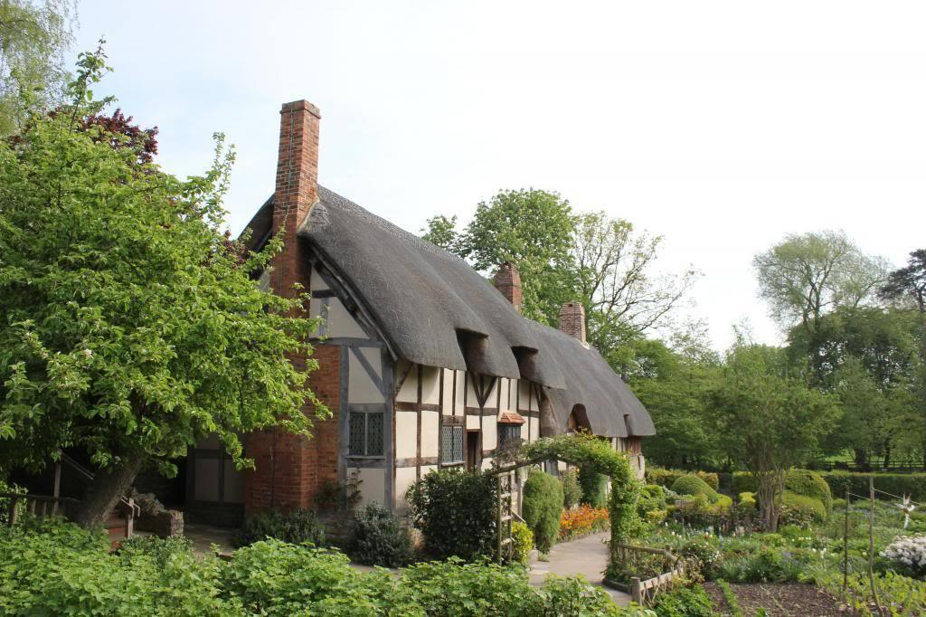 Hathaway's cottage.jpg