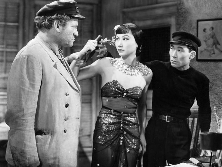daughter-of-shanghai-1937-001-anna-may-wong-in-between-two-men.jpg