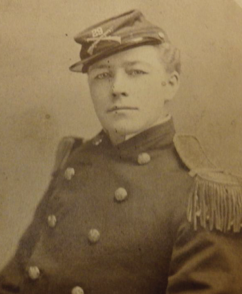 1864-1904_AnnieHindel_DragKingHistory_portrait.png