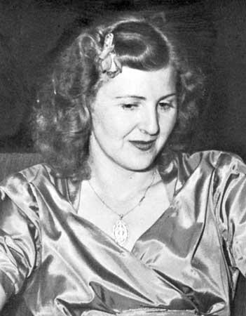 Eva-Braun-1944.jpg