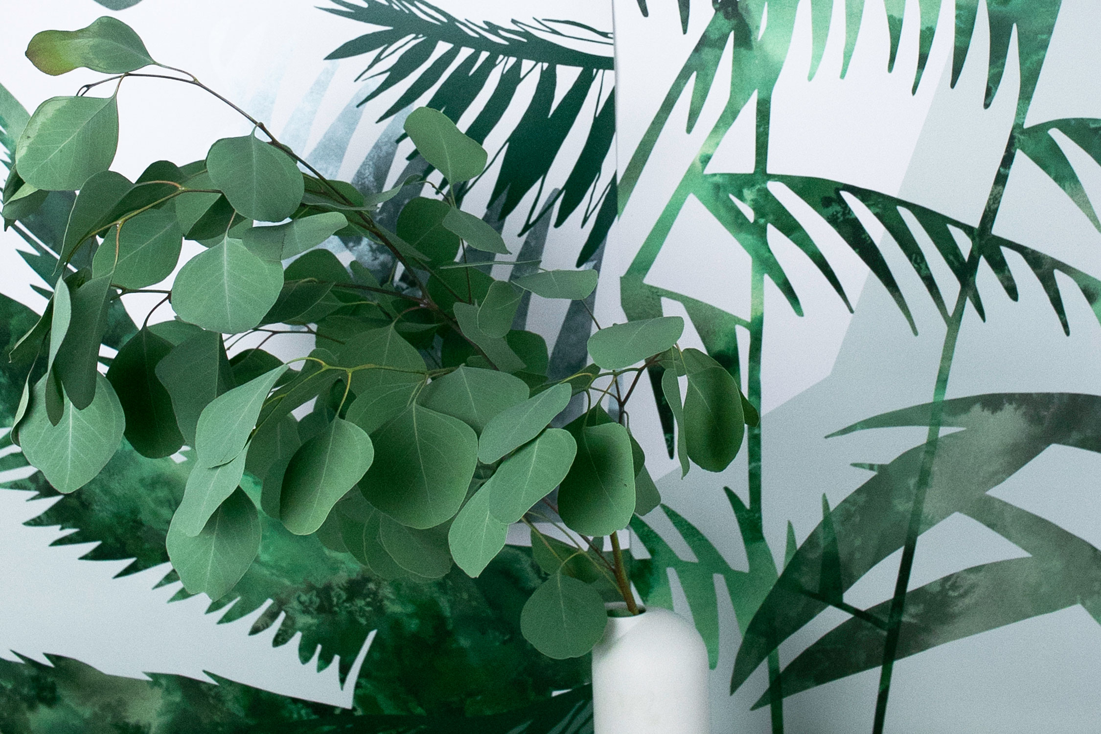 Glasshouse Wallcoverings | Jungle pattern | Dawn colourway