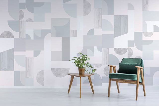 Shades of cold and warm greys in our Half Moon Wallcovering design. 🌙🌚 A playful kaleidoscope of colour inspired by the architecture of a Glasshouse, abstracted geometrics and organic textures combine to form a larger-than-life pattern of shapes. Available online at our website, link in bio.  ________________________________________________ #bespokeatelier #halfmoon #duskanddawn #modernwallpaper #wallpaperdesign #greytones #patterndesign #patternobserver