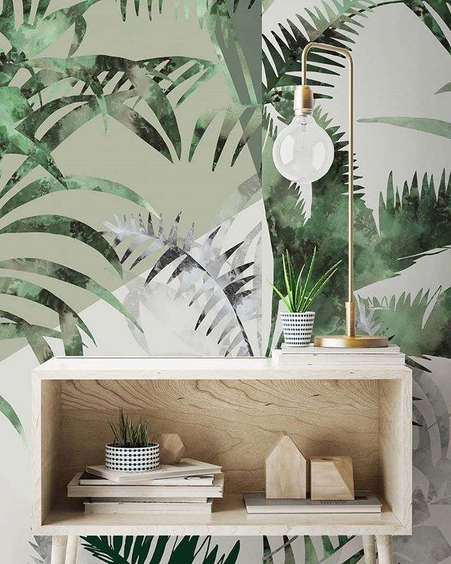 Fresh greens in our 'Jungle' Wallcovering, imitating layers of jungle leaves and textured light shadows 🌿🍃🌴 ________________________________________________ #bespokedesign #chiascuro #leafylayers #botanicalinspiration #freshgreen #greenery #wallpaperdesign #bespokeatelier