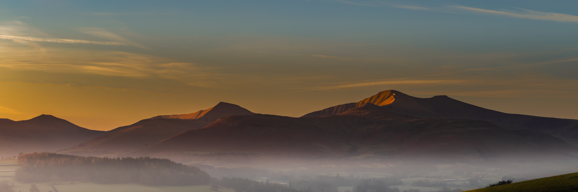 Pen-Y-Fan Massif sunrise, Brecon Beacons