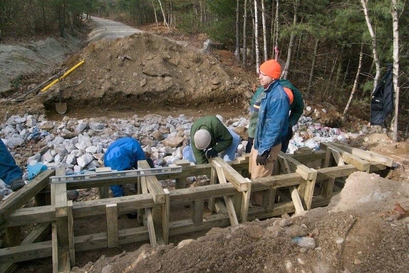 Constructing timber crib footers Constructing timber crib footers