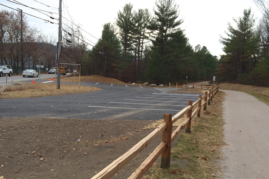 New 12-space trailhead parking complete