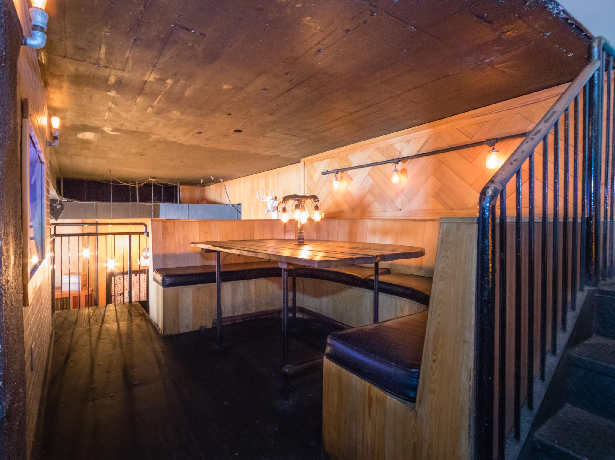 Mezzanine Bench 1.jpg