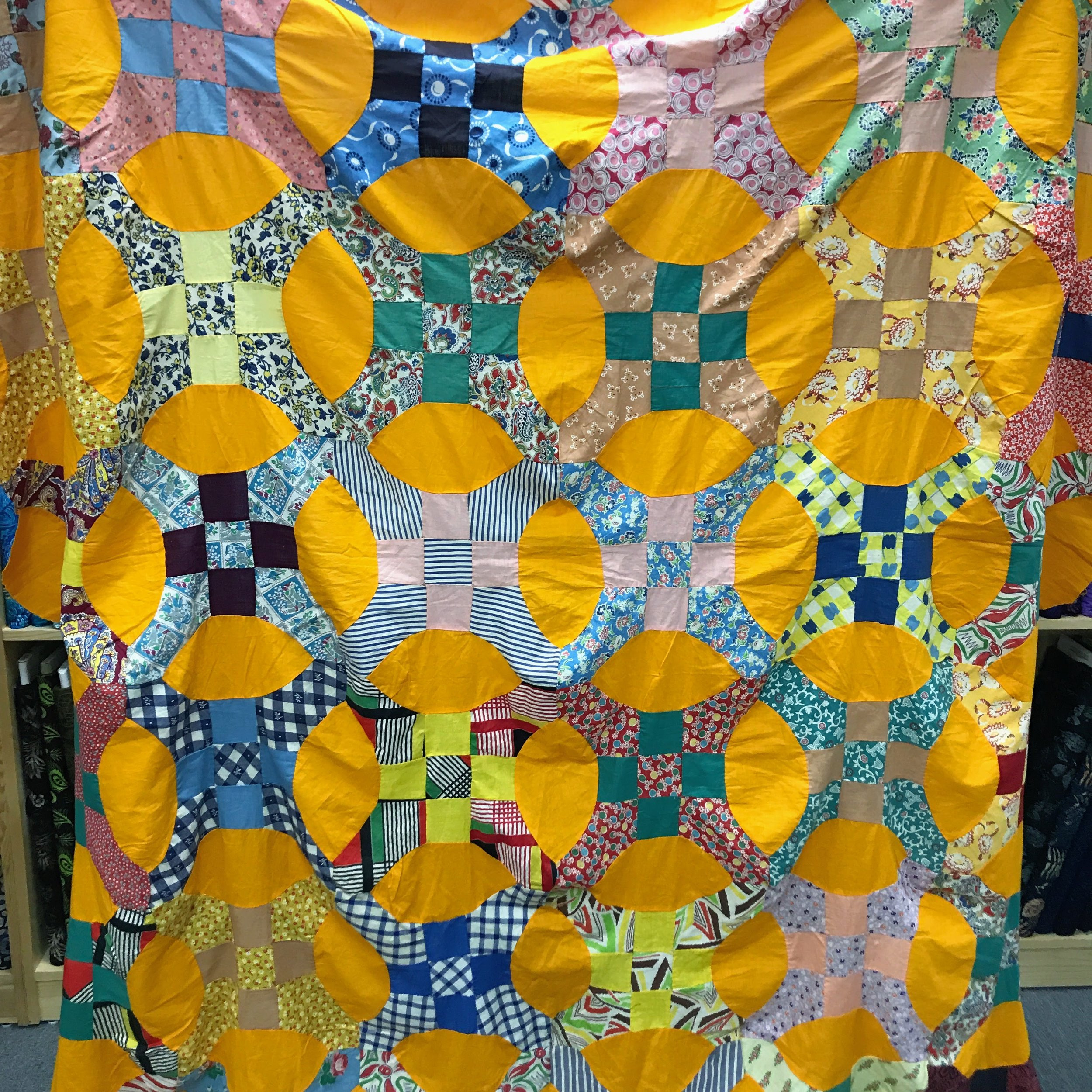 Kelly found this delicious cheddar quilt top on Etsy.